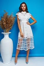 Платье с полупрозрачными кружевными вставками