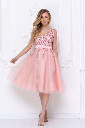 Коктейльное платье с декорированным верхом, фото 1
